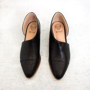 Shoes - NEW ARRIVAL Black Side Cutout Flats